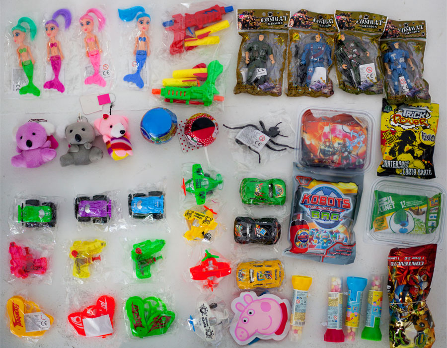 Lot 7 - Toy SAM - Assorted Toys