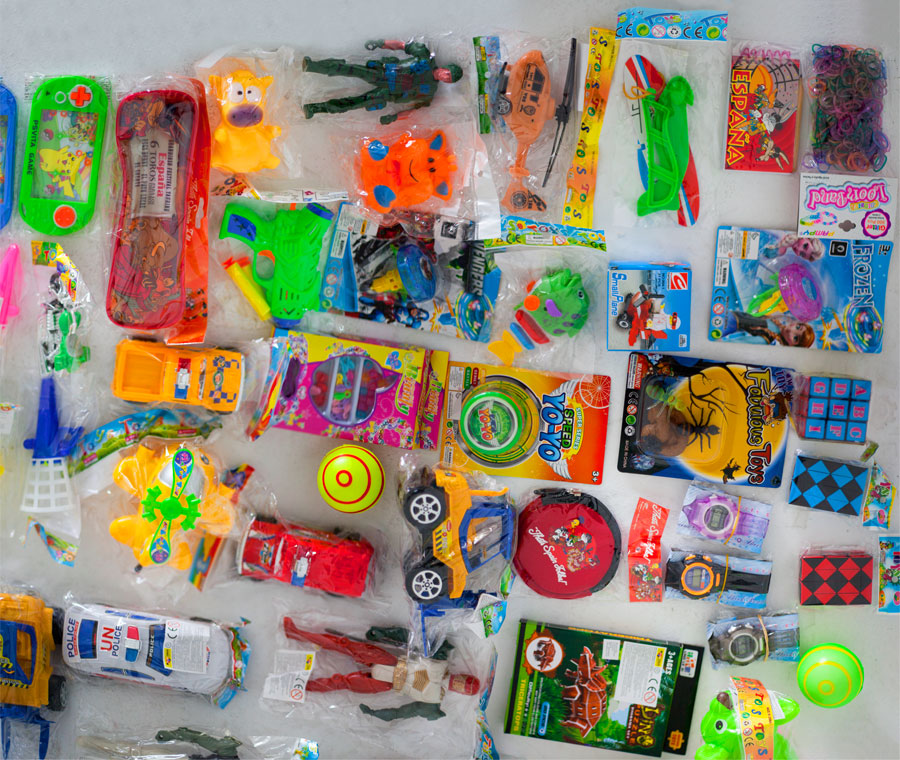 Lot 9 - Toy SAM - Assorted Toys